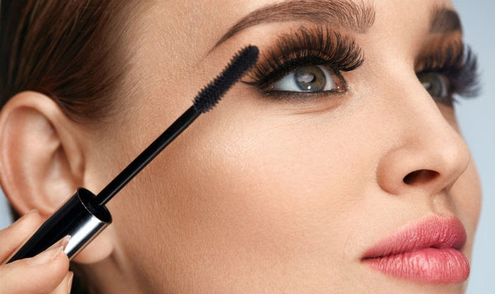Hi Girls Stop Making These Common Mascara Mistakes
