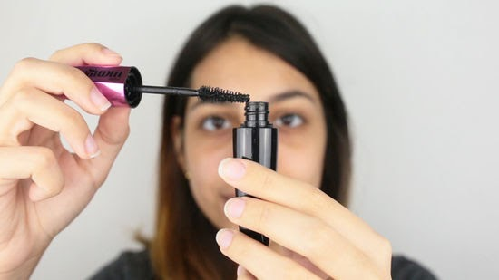 Utilizing One Mascara trying to Curl, Lengthen, AND Volumize