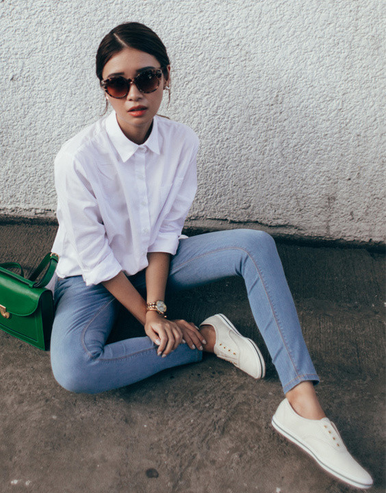 Pair with Denim Jeans. Some Cool Ways to Wear a White Shirt & Look Incredible