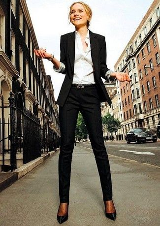 White Shirt with Blazer for Office look. Some Cool Ways to Wear a White Shirt & Look Incredible