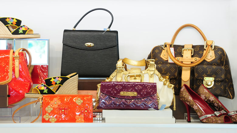 Why Are More and More People Buying Luxury Jewelry Second-Hand Bags